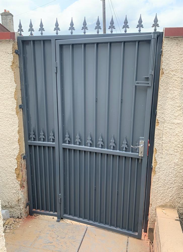 Side Gates 4-resized