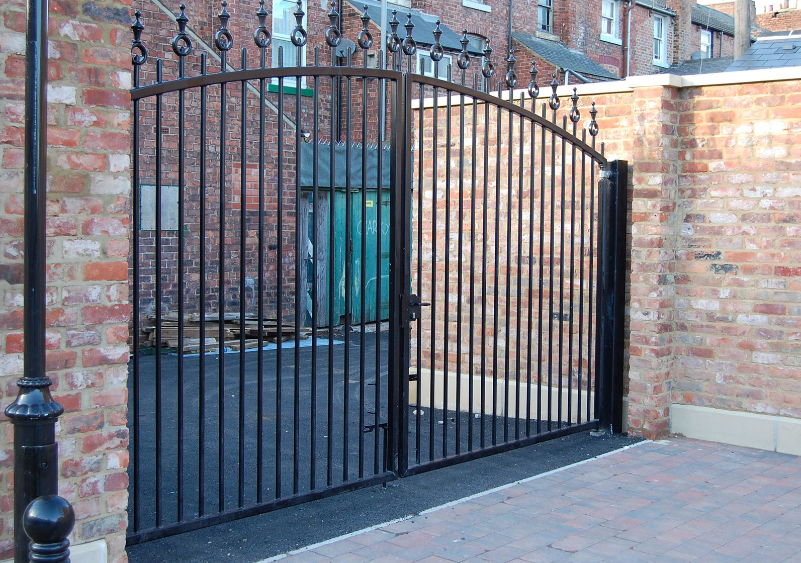 estate gates1